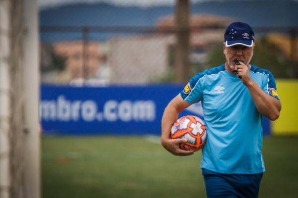 Cruzeiro duela com o Tupynambás após 86 anos. Mano teve semana de treinos  ... fbf3629c6a586
